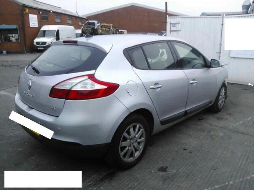 2011 RENAULT MEGANE D-QUE 1.5 DCI FAP SILVER FOR BREAKING SPARES REPAIRS K9K836