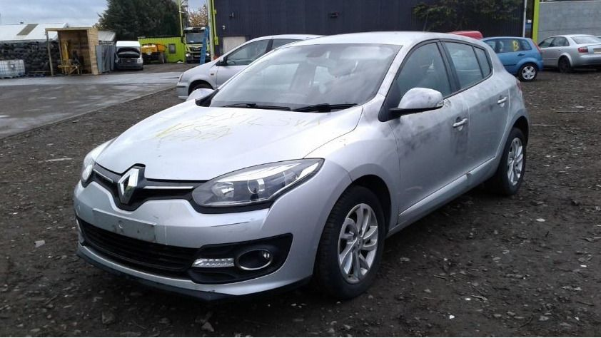 2014 RENAULT MEGANE DYNAMIQUE TOMTOM VVT 1,598cc BREAKING SPARES AND REPAIRS